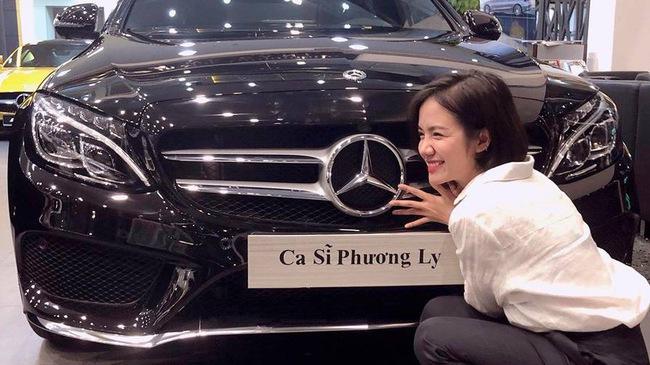 Ca sỹ Phương Ly tậu siêu xe Mercedes-Benz C300 AMG