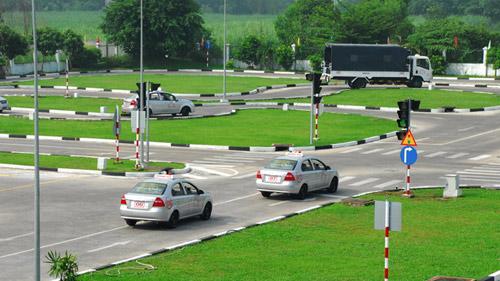 Học bằng lái xe ô tô cấp tốc tại Hà Tĩnh