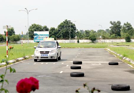 Học lái xe ô tô tại Hồng Lĩnh giá rẻ